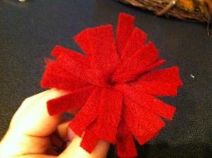 DIY felt fringe flower